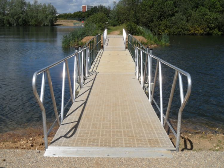 conningbrook-lake-bridge